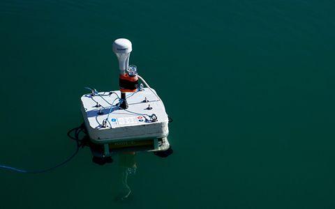 Partie émergée du ROV, véhicule sous-marin téléguidé © Laurent Charles / MNHN / CNRS